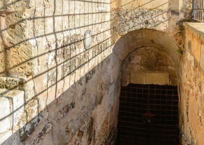 Ingresso sotterranei Leuca Piccola